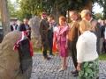 Zbigniew Romaszewski odsłania tablicę Smoleńską w Gliniance